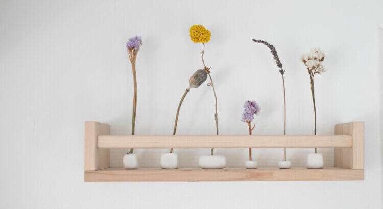 droogbloemen houder van klei