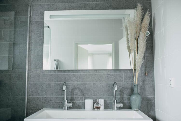 musthaves stijlvolle badkamer met opbergmogelijkheden badkamer
