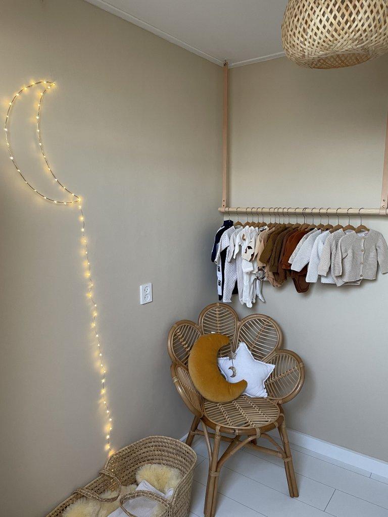 naturel babykamer hout rotan natuurlijk
