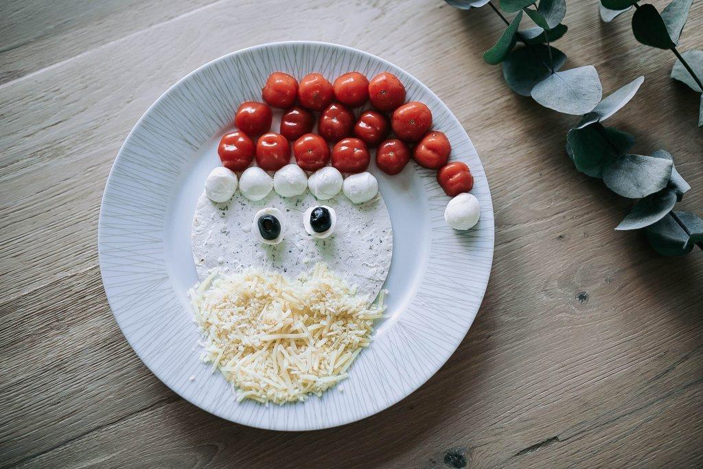 kinder voorgerechten met kerst hoofdgerecht kerstman met groente