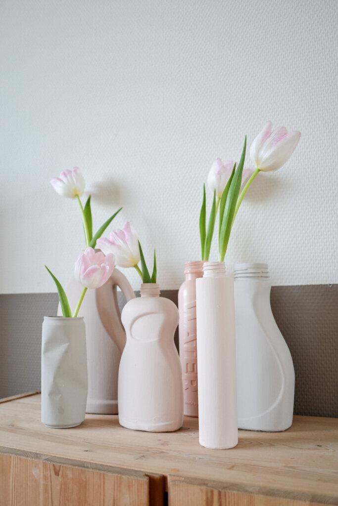 hergebruik plastic fles vaas maken en stylen