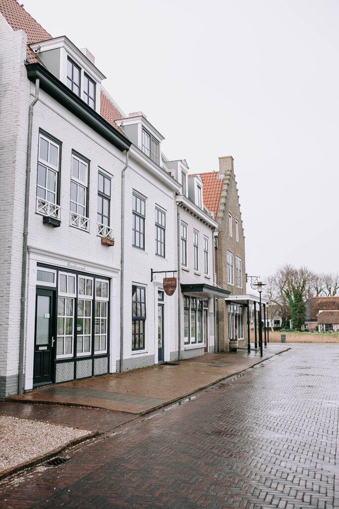 Landal Esonstad vakantiepark Friesland omgeving zwembad bungalow