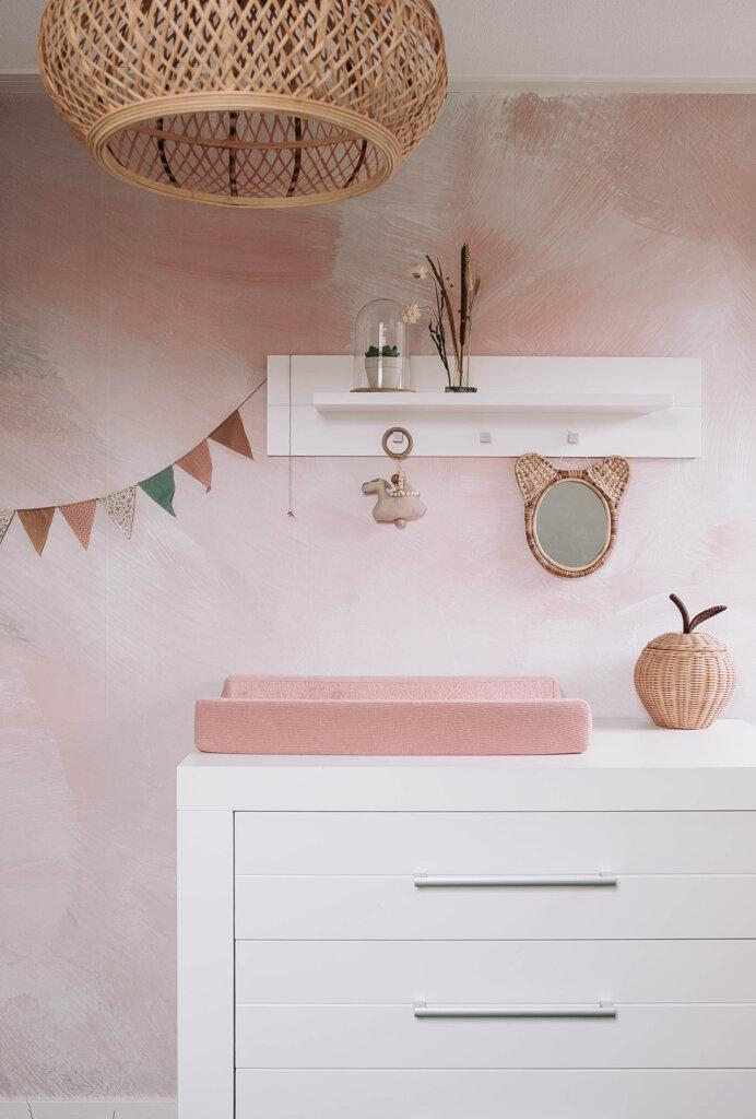 bohemiean meisjeskamer zacht roze tinten hout rotan bamboe