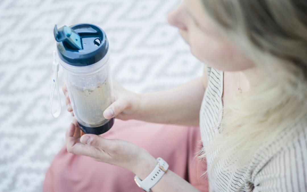 Zelf ijsthee maken met een zomerse thee blend